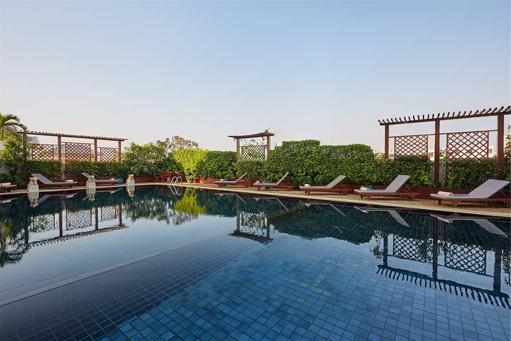 Swimming Pool (06.00 hrs - 20.00 hrs) F Floor