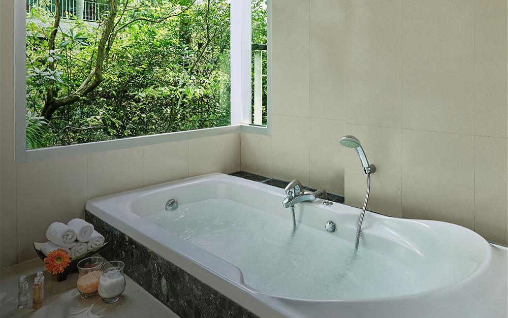 Garden Deluxe_Spa bath