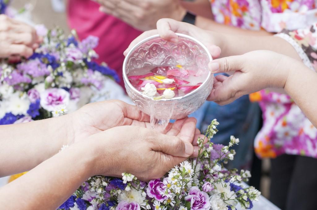 songkran offering